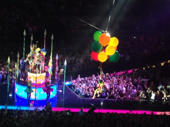 katy perry o2 balloons
