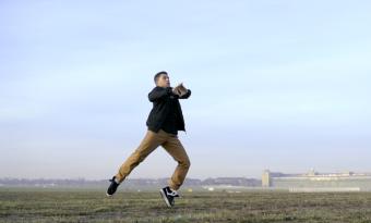 Premiere: Len Sander - Ungrowing