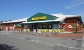 NEWSPUNCH: World's greatest DJ uncovered in Morrisons…